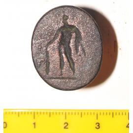Перстень бронзовый с овальным в плане, плоским щитком.